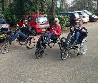 Handbike mit funktioneller elektrischen Stimulation zur Beinbewegung bei Querschnittlähmung